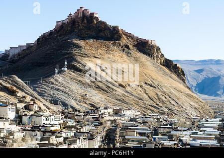 Gyantse Dzong or Gyantse fort, Tibet - Stock Photo