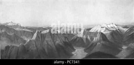 61 Marko Pernhart - Pogled z Mangrta na Rabelj in Kanin ter na Triglav - Stock Photo