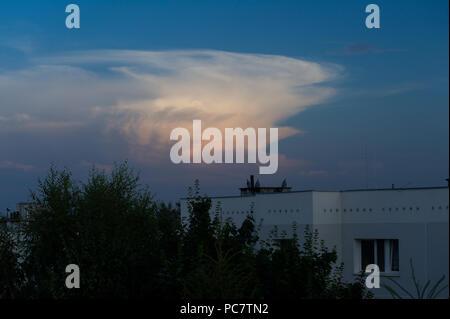 Cumulonimbus cloud in Gdansk, Poland. July 28th 2018 © Wojciech Strozyk / Alamy Stock Photo - Stock Photo