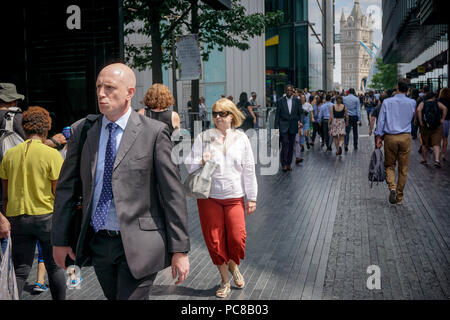 London, UK. 23rd July, 2018. People seen during a hot day in central london. Credit: Ioannis Alexopoulos/Pacific Press/Alamy Live News - Stock Photo