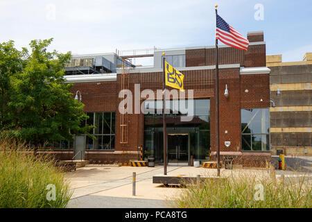 URBN Shop 543 at the Philadelphia Navy Yard - Stock Photo