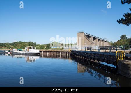 Colwick Sluice Gates on the River Trent in Nottingham, Nottinghamshire England UK - Stock Photo