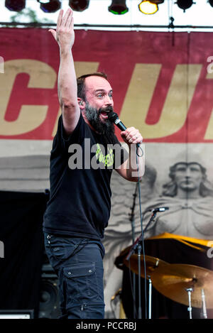 Mansfield, Ohio, July 15, 2018. Neil Fallon, singer for Clutch on stage at Inkarceration Fest 2018. Credit: Ken Howard/Alamy - Stock Photo