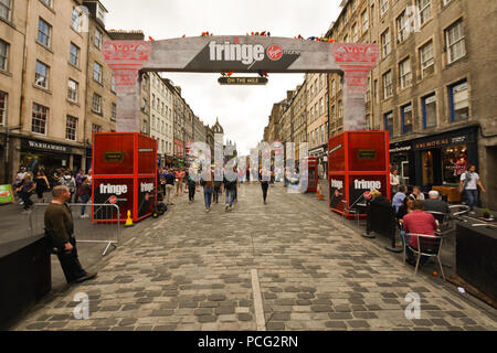 Edinburgh, UK. 2nd August, 2018. Crowds descend on Edinburgh's High Street t the start of the Festival Fringe season. Credit: George Philip/Alamy Live News - Stock Photo