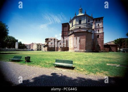 Italy, Lombardy, Milan, San Lorenzo Maggiore Basilica - Stock Photo