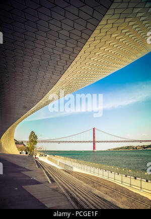 Lisbon. New wing of the MAAT museum by the Targus. - Stock Photo