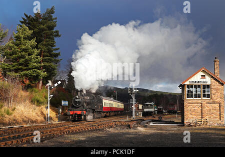 46512 departs from Boat of Garten - Stock Photo