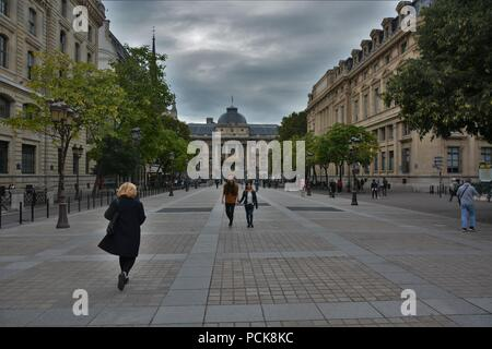 Palais de Justice view from street - Stock Photo