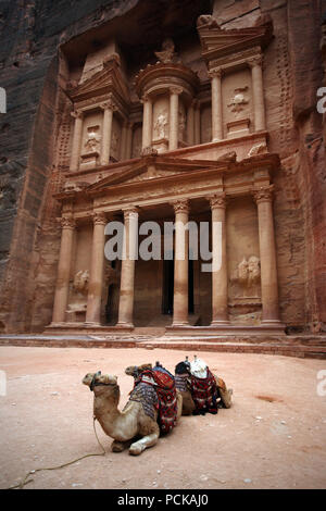khazne al firaun,petra,tomb,jordan - Stock Photo