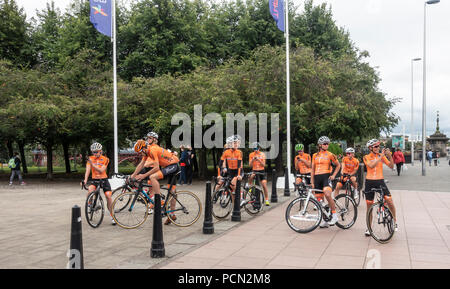 Glasgow Green, Glasgow, Scotland, UK. 03rd August 2018. Members of the Dutch road racing team take a breather during a route recce, at the entrance to Glasgow Green, which will be the start and finish point for the cycling Road Race of the European Championships, Glasgow 2018. Credit: Elizabeth Leyden/Alamy Live News - Stock Photo