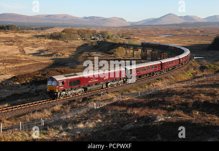 66746 heads away from Rannoch with the 'Western Journey' Royal Scotsman on 5.5.17. - Stock Photo