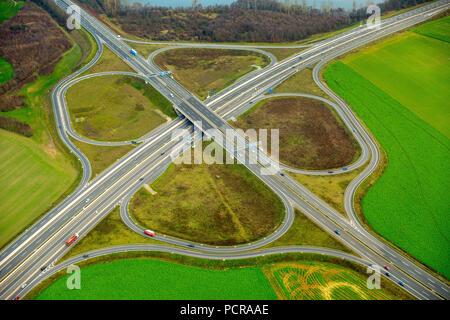 Autobahn interchange Duisburg-Süd, A59 and A524 and Bundesstraße 8 and Bundesstraße 288, Dusseldorf, Ruhr area, North Rhine-Westphalia, Germany - Stock Photo
