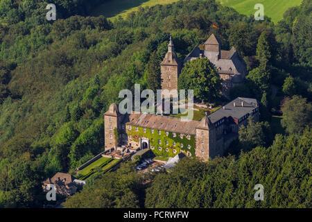 Burghotel Schnellenberg (hotel), aerial view, Schnellenberg castle - Stock Photo