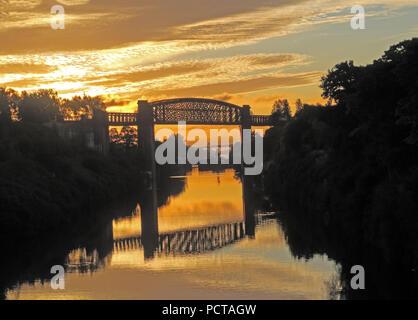 Sunrise at Latchford Locks, MSCC, Warrington, Cheshire, North West England, UK - Stock Photo