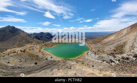 New Zealand, Tongariro Alpine Crossing, Green Lake - Stock Photo