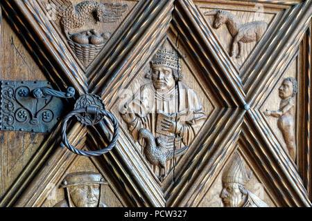 Germany, Bavaria, Upper Bavaria, Altötting, chapel place, collegiate parish church St Philipp and Jakob, front door, detail, door handle - Stock Photo