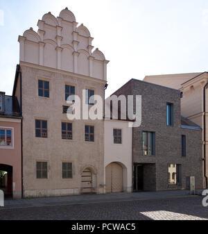 Erbaut 1536, Wohn- und Sterbehaus von Philipp Melanchton, rechts Erweiterungsbau 2013 von Thomas Dietzsch - Stock Photo