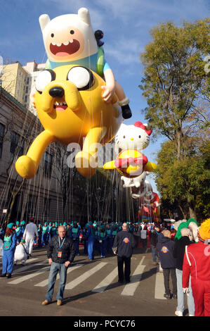 NEW YORK, NY - NOVEMBER 26:  Atmosphere attends the 89th Annual Macy's Thanksgiving Day Parade on November 26, 2015 in New York City.   People:  Atmosphere - Stock Photo