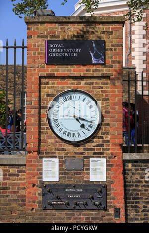The Shepherd Gate Clock, an unusual 24-hour analogue clock, installed at the Royal Observatory, has been displaying GMT to the public since 1852 - Stock Photo