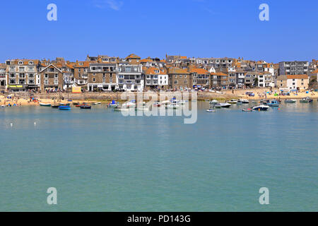 Fishing boats in St Ives harbour, Cornwall, England, UK. - Stock Photo