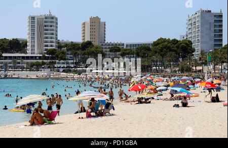 Palma de Mallorca, Spain. 05th Aug, 2018. Tourists bathe in the sea at the Magaluf beach. Credit: Clara Margais/dpa/Alamy Live News - Stock Photo