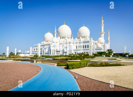 Outside view of Sheikh Zayed Grand Mosque in Abu Dhabi, UAE - Stock Photo
