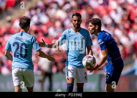 Jorginho of Chelsea and Riyad Mahrez of Manchester United during the 2018 FA Community Shield match between Chelsea and Manchester City at Wembley Stadium, London, England on 5 August 2018. 5th Aug, 2018. Credit: AFP7/ZUMA Wire/Alamy Live News - Stock Photo