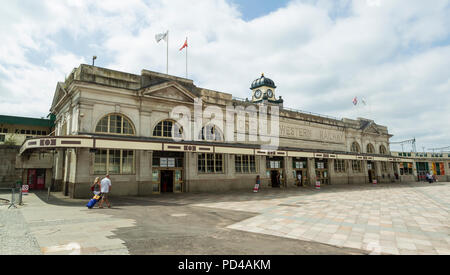 Cardiff Central Station, exterior, a Grade II listed building built between 1932 and 1934 by the GWR, in an Art Deco style - Stock Photo