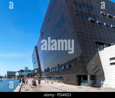 The Black Diamond, modern extension of the Royal Library ( Det Kongelige Bibliotek ), Slotsholmen, Copenhagen, Zealand, Denmark - Stock Photo