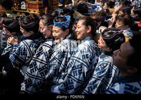 Japan, Honshu island, Kanto, Tokyo, the Kanda Matsuri, women carrying a mikoshi. - Stock Photo
