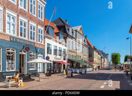 Shops and cafes on Strandgade in the old town centre, Helsingør ( Elsinore ), Zealand, Denmark - Stock Photo