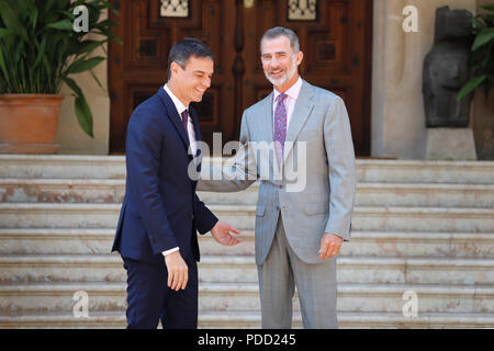 Spain  King Felipe VI and Prime Minister Pedro Sanchez gesture during their traditional summer meeting in mallorca - Stock Photo