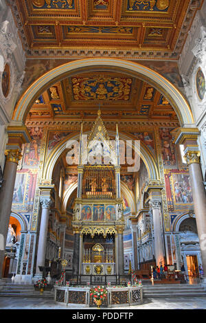 Italy, Rome, basilica of San Giovanni in Laterano, central nave. - Stock Photo