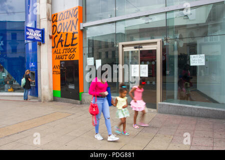 Closed retail unit, Retail units To Let, Closed, Closing down, Shuttered shops, shop front, businesses in decline, with poor retail sales in the Central Business District of Sheffield, UK - Stock Photo