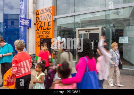 Closed retail unit, Retail units To Let, Closed, Closing down, Shuttered shops, businesses in decline, with poor retail sales in the Central Business District of Sheffield, UK - Stock Photo