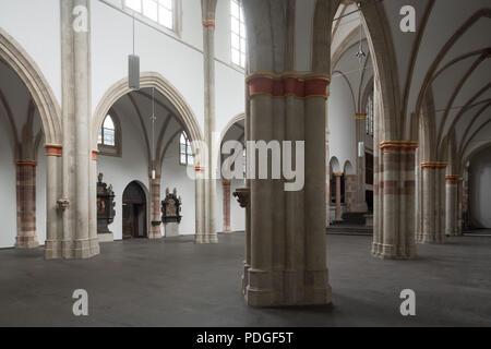 Nach der Renovierung ohne Kirchenbänke, Blick vom südlichen Seitenschiff ins Mittelschiff - Stock Photo