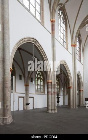 Nach der Renovierung ohne Kirchenbänke, Südliche Langhauswand, Blick nach Westen - Stock Photo