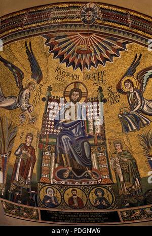 Italien Milano Mailand Kirche San Ambrogio. Frühchristliche Kirche. Mosiak in der Apsiskalotte - Stock Photo