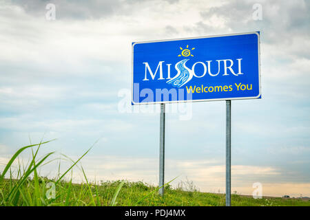Missouri Welcomes You - a roadside sign at a state border with Illinois - Stock Photo
