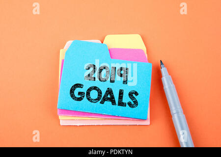 2019 goals. Paper note with text - Stock Photo