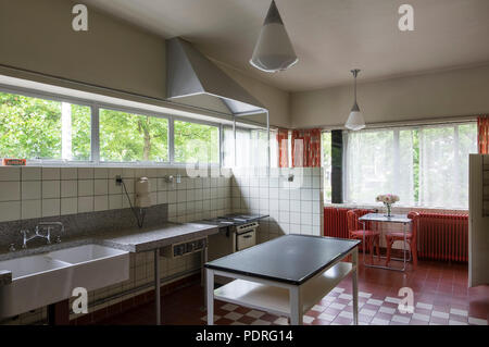 1932-1933 von Brinkman & Van der Vlugt erbaut, Küche im Erdgeschoß - Stock Photo