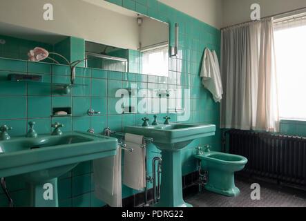 1932-1933 von Brinkman & Van der Vlugt erbaut, Badezimmer im 2. Obergeschoß - Stock Photo