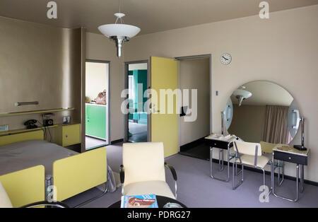 1932-1933 von Brinkman & Van der Vlugt erbaut, Schlafzimmer im 2. Obergeschoß - Stock Photo