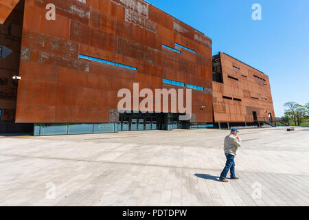 View of the exterior of the Gdansk European Solidarity Centre building, a museum dedicated to Poland's liberation struggle against Communist rule. - Stock Photo