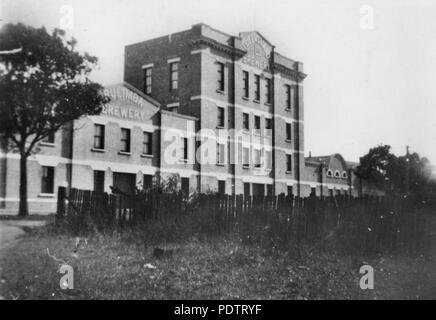 204 StateLibQld 1 108884 Queensland Brewery premises on Brunswick Street, Fortitude Valley, Brisbane, ca. 1920 - Stock Photo