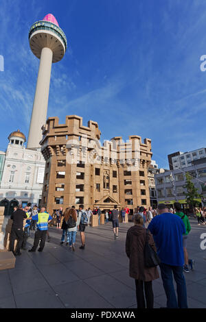 Liverpool's lost castles being built entirely from cardboard boxes. - Stock Photo