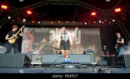 Linlithgow, Scotland, UK. 11th August, 2018. Carly Conner live at Party At The Palace, Credit: Stuart Westwood/Alamy Live News - Stock Photo