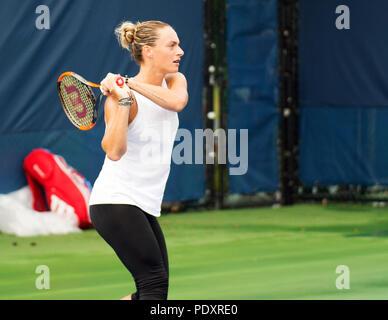 Ohio, USA, August 11, 2018: Gabine Muguruza during practice at the Western Southern Open in Mason, Ohio USA. Brent Clark/Alamy Live News - Stock Photo