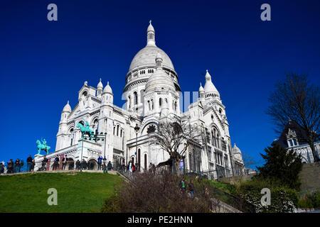 The basilica of Sacre Coeur on Montmartre in Paris, Frances - Stock Photo