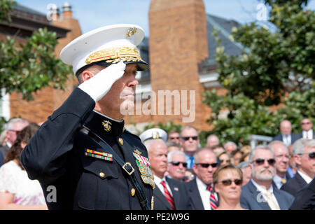 U.S. Marine Gen. Joseph F. Dunford, Jr. salutes during the Passage of Command at Marine Barracks Washington, D.C., Sept. 24, 2015. Gen. Robert B. Neller took command from Dunford as the 37th Commandant of the Marine Corps. (U.S. Marine Corps photo by Sgt. Gabriela Garcia/Released) - Stock Photo